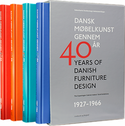 Dansk Møbelkunst gennem 40 år / 40 Years of Danish Furniture Design
