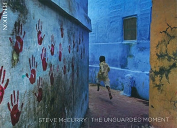 THE UNGUARDED MOMENT. Thirty Years of Photography by Steve McCurry