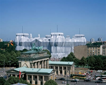 CHRISTO AND JEANNE-CLAUDE: WRAPPED REICHSTAG (SIGNERET LUKSUS UDGAVE)
